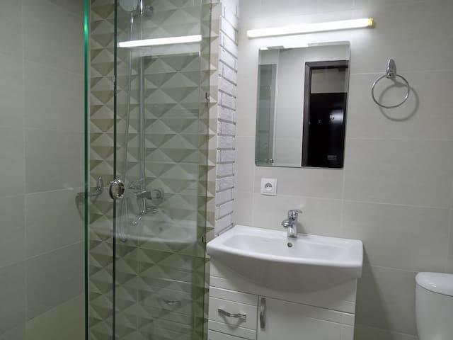 SALE  Квартира в 100 м. от метро Космонавтов