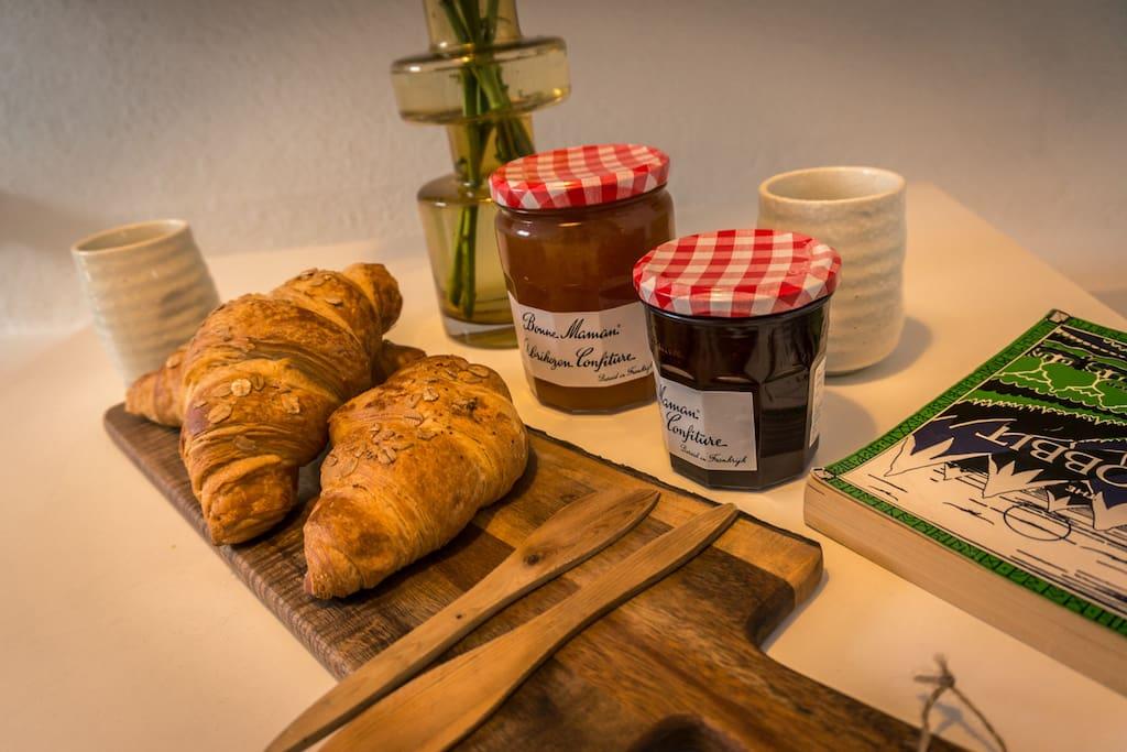 Inc. Breakfast (fresh croissant, jam, butter, coffee & tea)