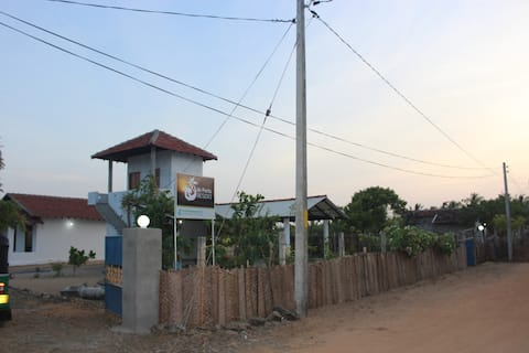DE PERLA RESORT, Whiskey Point, Arugambay