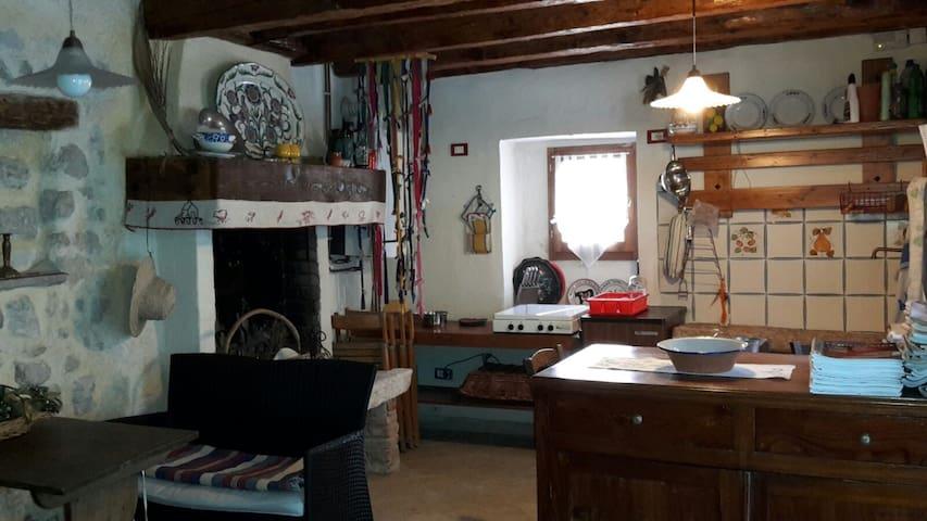 Casa Borgo San Gaetano - San Gaetano - House