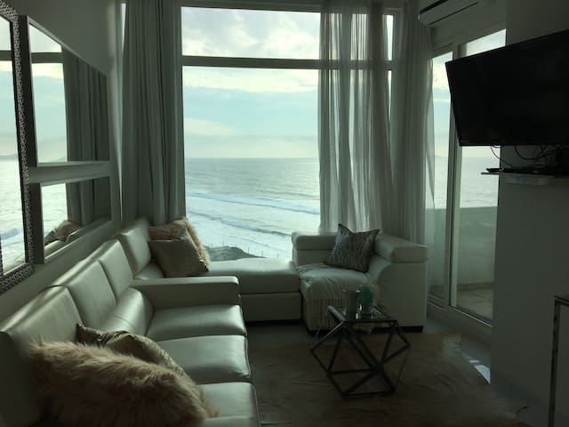 Ocean-front luxury and bliss - Tijuana - Apartment