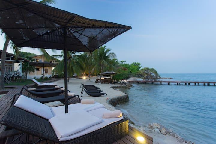 Peaceful Island Getaway (1 cabaña) - Barú