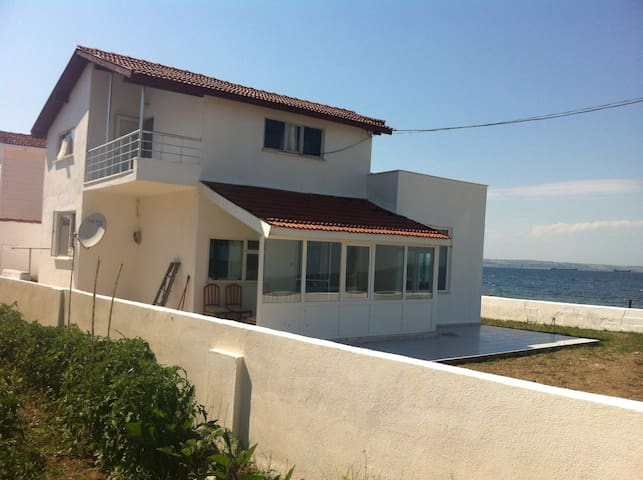 Country/Seashore home -ISTANBUL- 4h