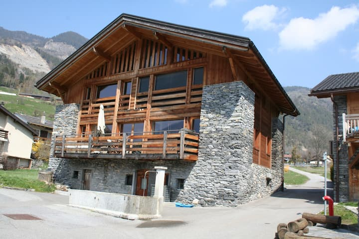 Ski or summer in the alps Verbier valley 3 bedroom