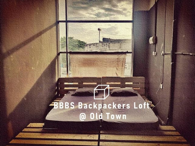 Loft Room for Two @ Old Town