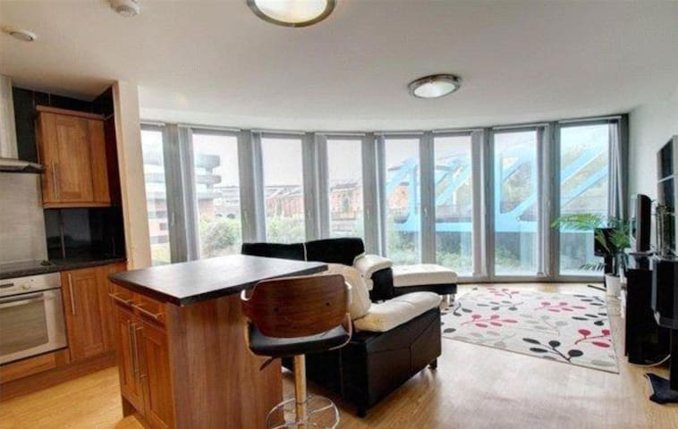 Quayside Two Bedroom Apartment city centre