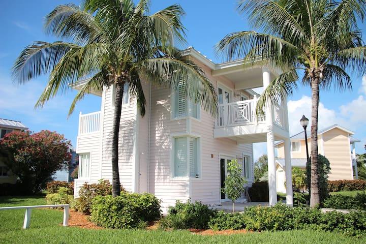 Luxury Villa 125 @ Resorts World Bimini