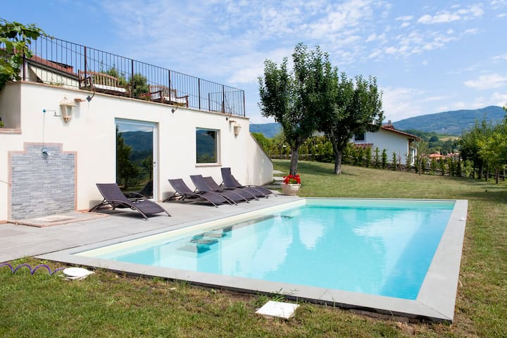 Luxury family Villa Torre de Medici - Fivizzano - บ้าน
