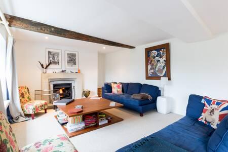 Cotswold Cottage, Modern Interior - Bibury