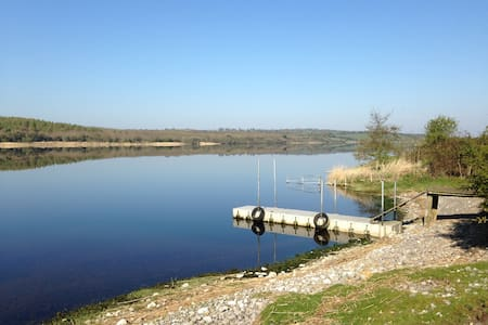 Self-Catering Rural Cottage on big lake sleeps 5-9