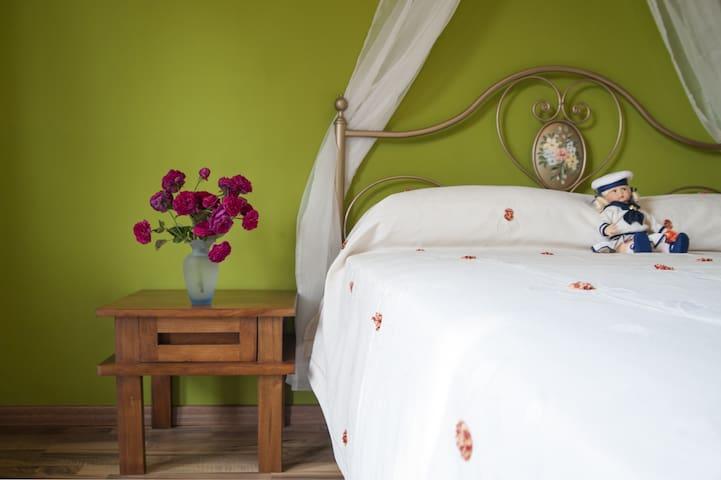 Elegante alloggio immerso nel verde - Cocconato - Lägenhet