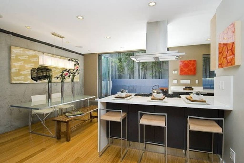 Open kitchen with top appliances. Master chef, anyone?
