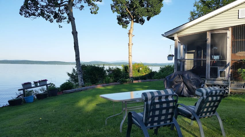 Gorgeous Lake Champlain & Mountain Views - Grand Isle - Квартира