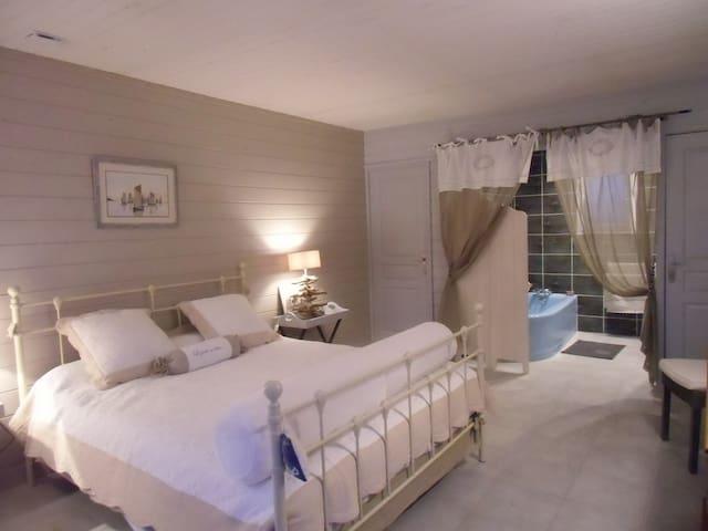 Villa La Seudre - Bois flotté - La Tremblade - Bed & Breakfast