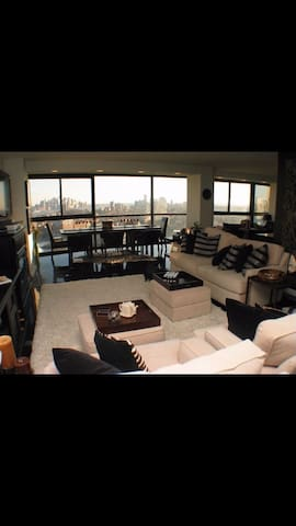 Condo w/ Breathtaking NYC Views - Union City - Appartement en résidence