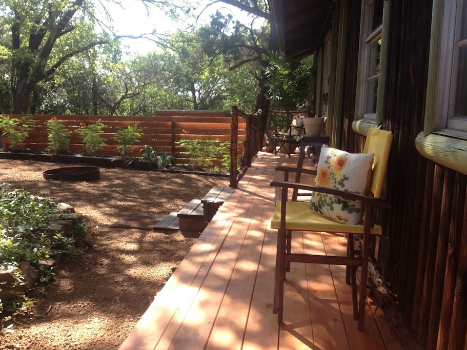 Quiet surroundings in the heart of South Austin