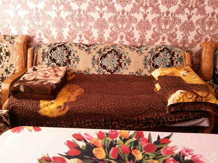 Sir Darya Room