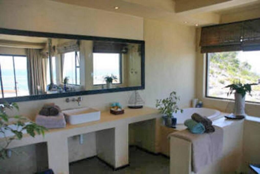 Ensuite bathroom with sea view