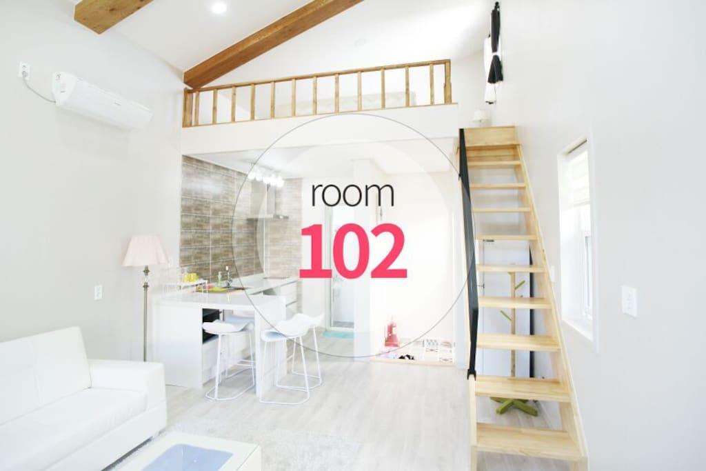 room102  복층 (15평)