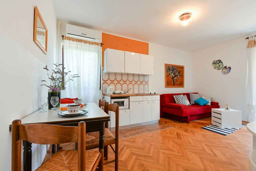 Cute apartment with nice balcony apartments for rent in for Cute apartments