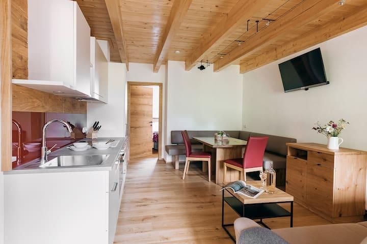 Ferienwohnungen Orth (Göstling an der Ybbs), Ferienwohnung 2 Die Rote, modern und hochwertig ausgestattet