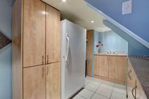 Private complete kitchenette