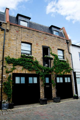 Quiet Mews House - London - House