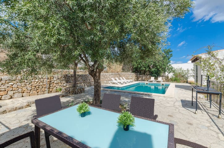 YourHouse Ca N'Abrines, villa with private pool