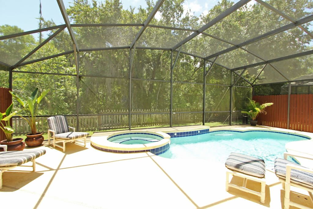 Liberty! Completely Private 4 bedroom pool and spa home.