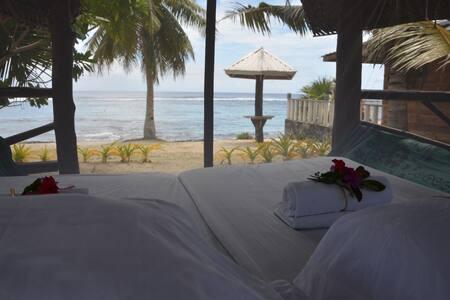 Beach Fale at Matareva Beach 2 - Lotofaga-uta - Bed & Breakfast