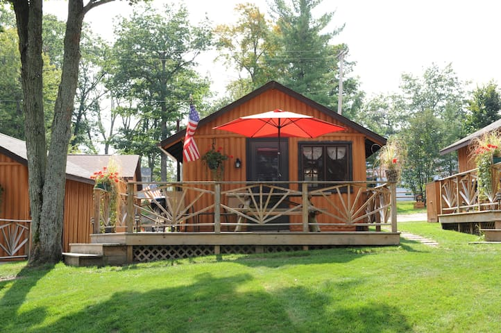 Clear Lake Resort - Lake Front Log Cabin!