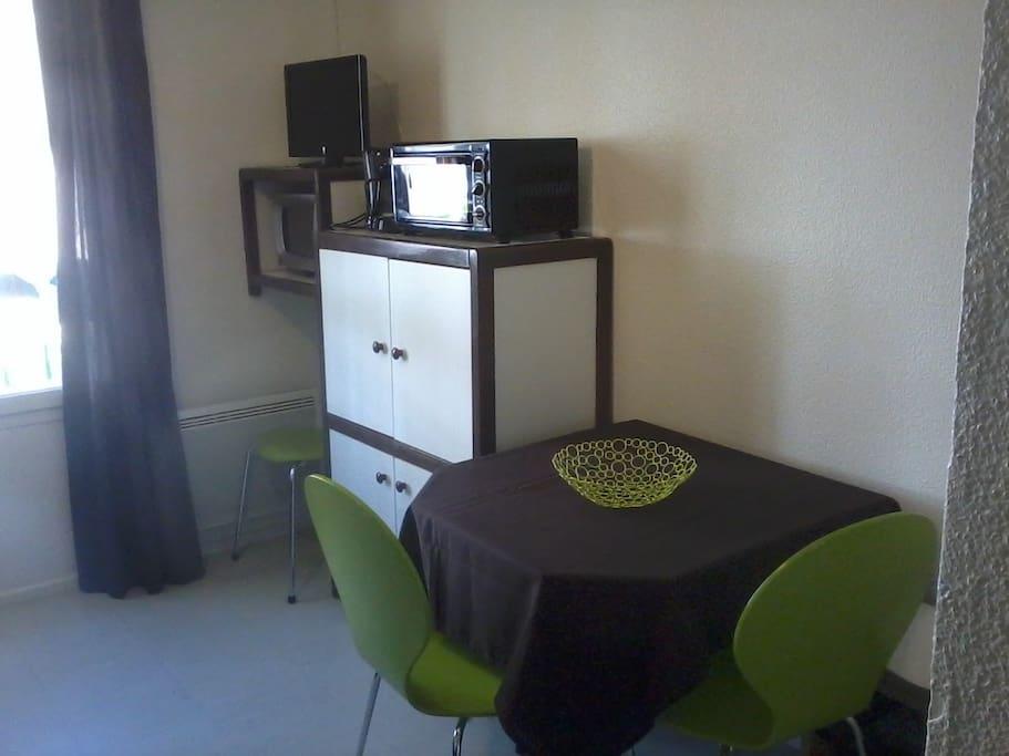 Studio meubl bien agenc appartements louer lamalou for Location studio meuble yverdon les bains