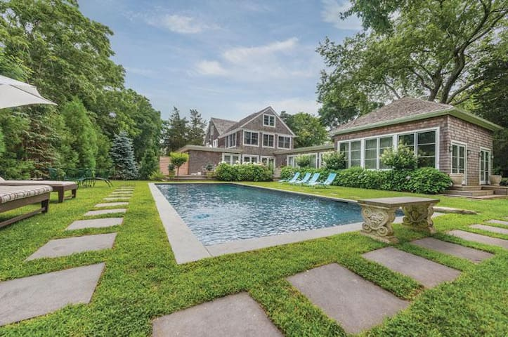Elegance & Luxury in E.H. Village - East Hampton - Casa