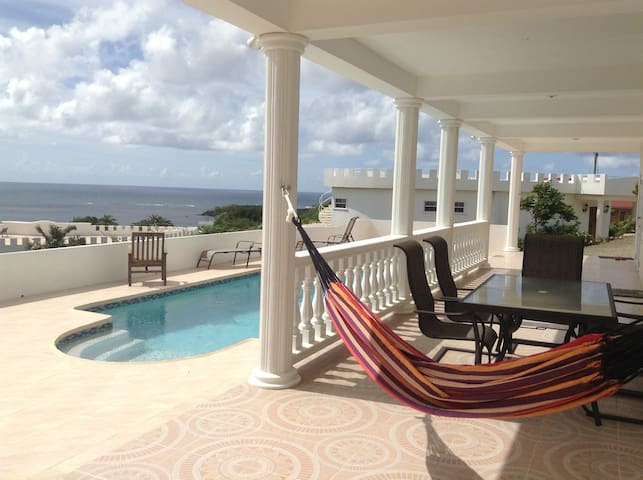 Private, new, luxurious, heated pool, AC, cook - Vieux Fort - Dom
