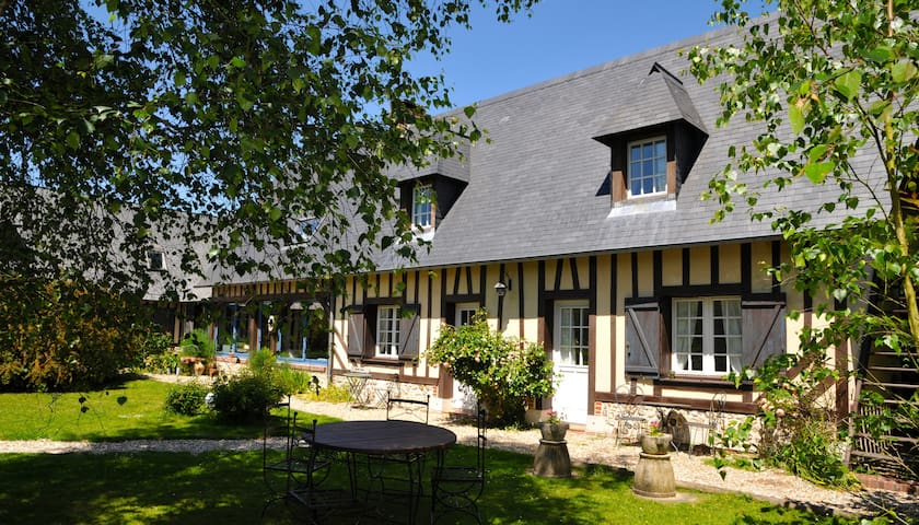 Chambres d 39 h tes 1 leboisdespierres bed breakfasts for for Chambre d hote haute normandie