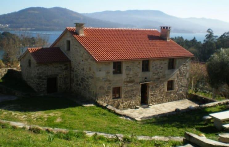 Casa Montes - Outes - Haus