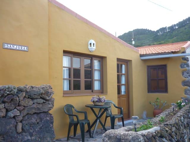 Casa rural Sanjora-Amasín - Villa de Valverde - Haus