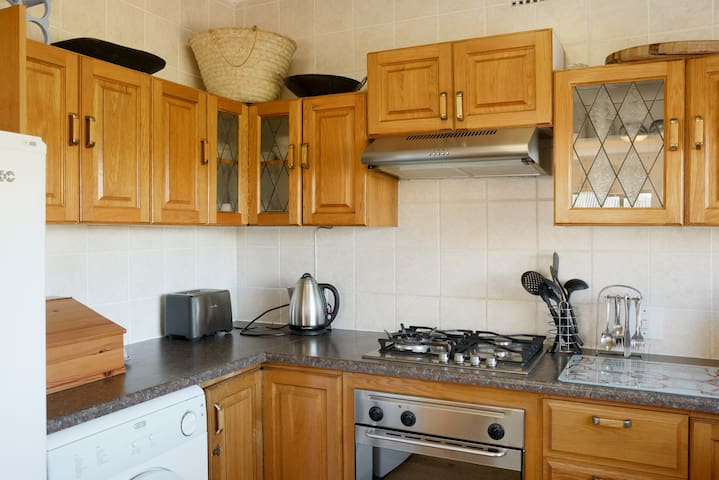 modern fully equiped kitchen