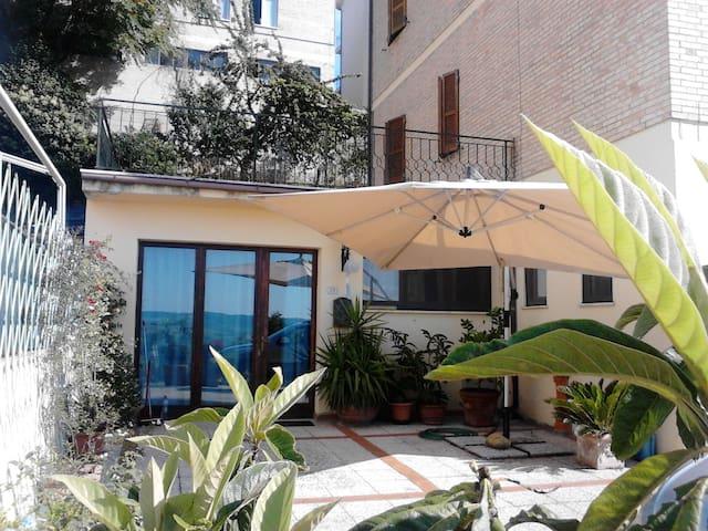 Appartamento autonomo con vista - Fermo - Apartemen