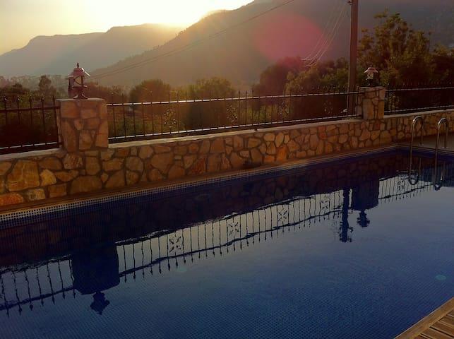 Neue Villa mit Pool - Ula