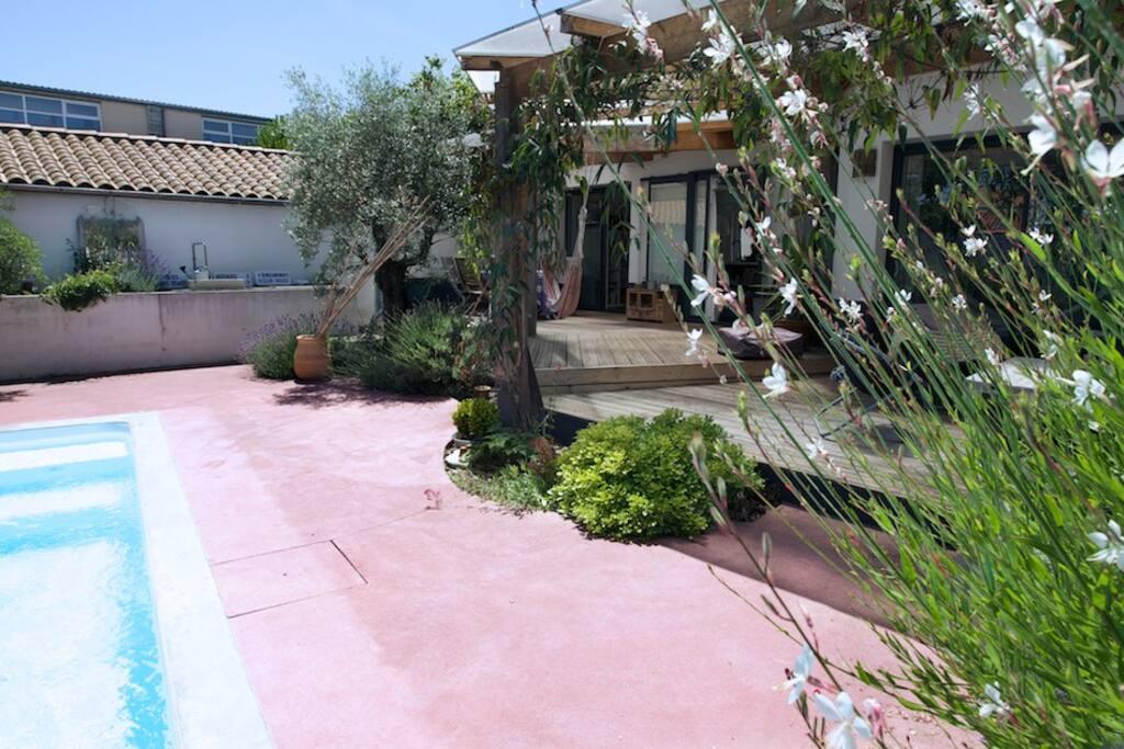 Belle maison familiale avec piscine houses for rent in for Location maison la rochelle avec piscine