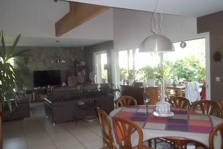 Maison au calme  à MIMIZAN bourg - Mimizan