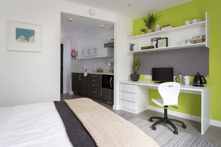Green Park House Accommodation (Couples Studio)
