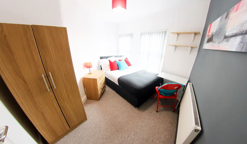 Cosy Room in Modern Flat - Liverpool - Wohnung