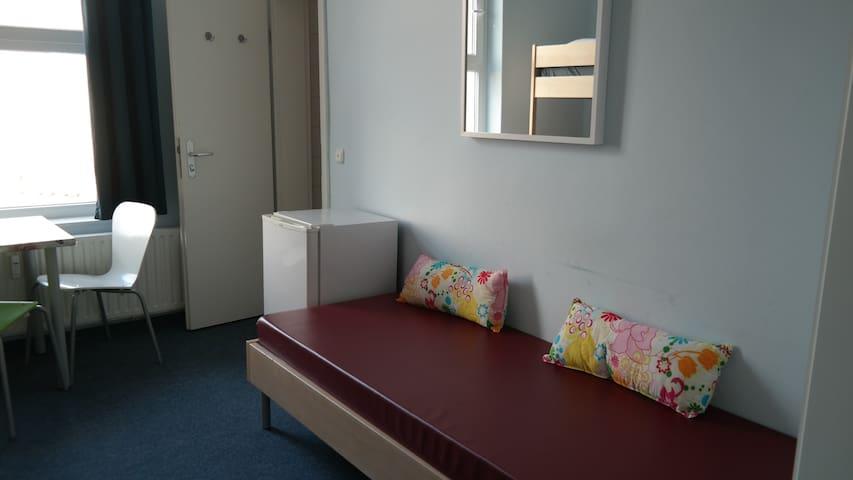 5-bed room with Ensuite Bathroom Nr. 10 - Berlín - Hostal