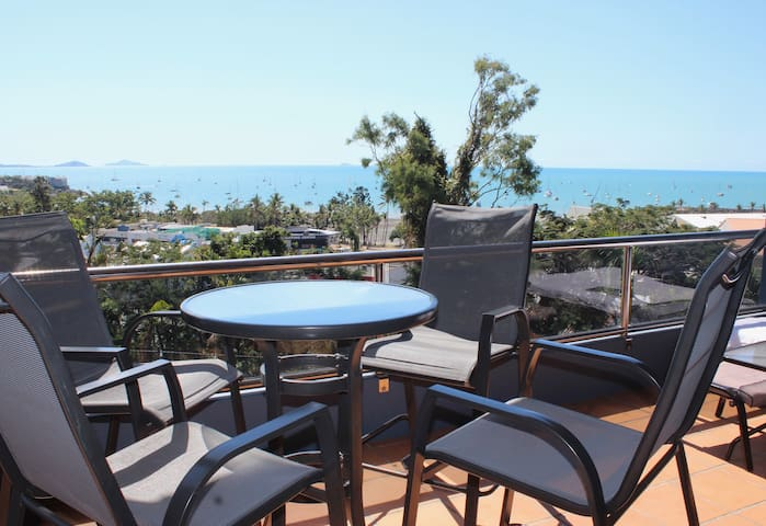 CENTRAL AIRLIE - Beautiful Ocean Views