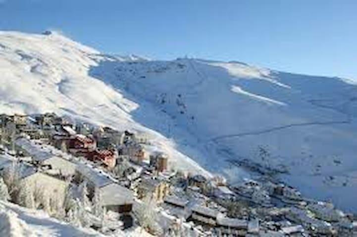 Aprt con vistas a pistas de esquí - Granada - Appartamento