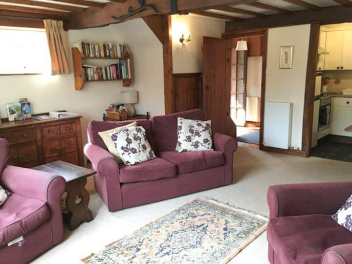 Coopers Cottage 4star*.  Fri Booking. Pool, Garden