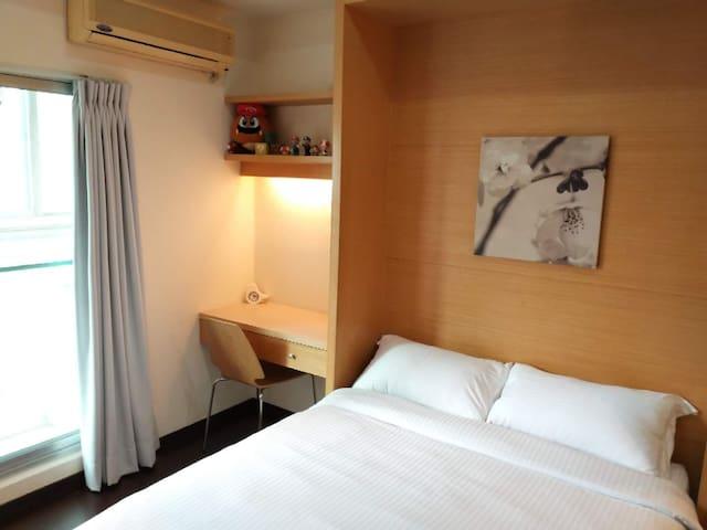 【夢想的家 Dream】溫馨 2-3人房。電梯大樓/獨立陽台/西門捷運步行5分鐘/設備齊全