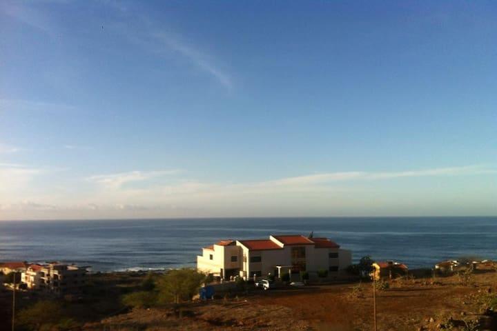 Casa Arlisa: Sunny Home Away From Home